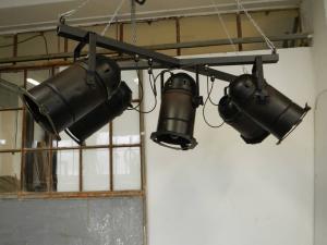 lâmpada de feixe com luzes de teatro dos anos 70