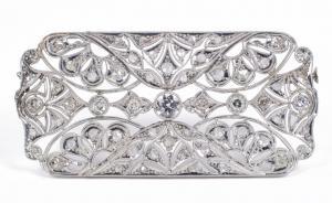 Antike Art-Deco-Platinbrosche mit Diamanten und Rosetten im Brillantschliff