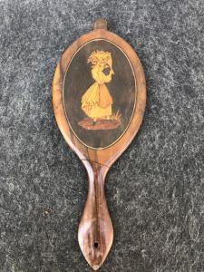 Specchio in legno intarsiato con figura femminile.Sorrento.