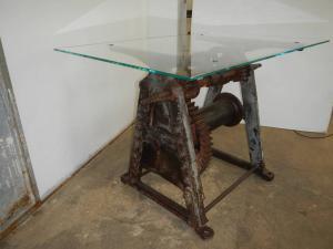 40年代的工业餐桌