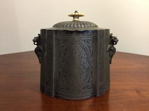 Victorian casket - end 800 - English