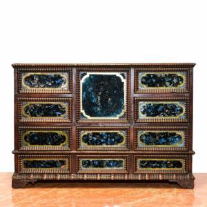 Coin cabinet in walnut '700, Coin cabinet in walnut 1700s