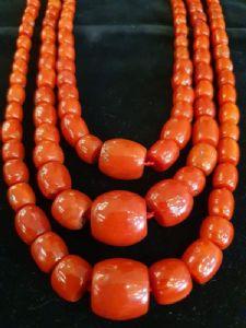 Collana in corallo rosso antico sardo a 3 fili
