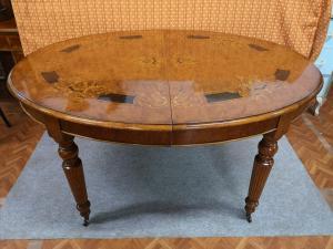 Tavolo Ovale intarsiato