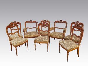 六椅集团和两对扶手椅查尔斯X