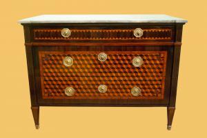 热那亚产的抽屉柜,带有大理石花纹,制造于18世纪末