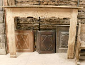 chl142 fireplace in Provencal sweet wood, size 195 cm xh 138,