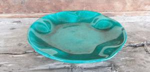 Piatto toscano in ceramica verde firmato