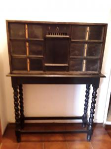 Florentine monetary of 1600 in ebony linings and dieters in spruce and poplar heart-shaped or spade locks terrace drawer in the first original patina of the era spiral support h157