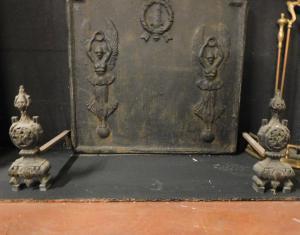 al182 - pair of cast iron wings, cm l 12 xh 31