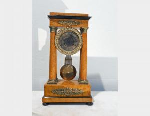 Orologio antico in radica di betulla Art 804