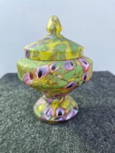 Vase with murrine glass lid.Artists Barovier, Murano.