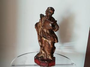 Escultura de madeira dourada antiga e fascinante, Evangelista Veneto do século XVII