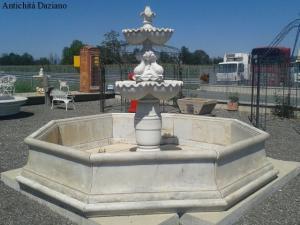 白色大理石中央喷泉