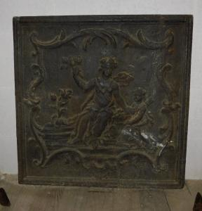 p205 cast iron plate with female goddess, mis. cm 64 x 65 h