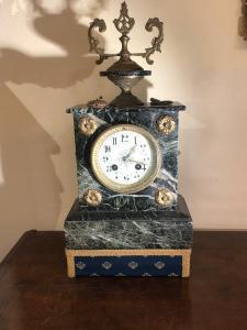 Orologio in marmo