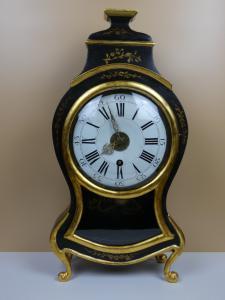 ROBERT Boulle Relógio de pêndulo no console