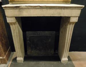 chp300 - camino in pietra di Borgogna, ep. '800, cm 100 L x p. 38 x h 103