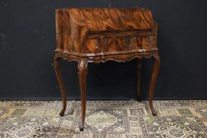 Chippendale model Lady shaped wooden writing desk
