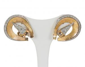 Pendientes de oro de 18 quilates con aproximadamente 2,9 ct de diamantes talla brillante, 50/60 años.