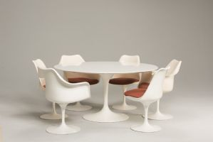SET PEDESTAL TABLE TULIP AND SEATING BY EERO SAARINEN PRODUCTION KNOLL 1960S