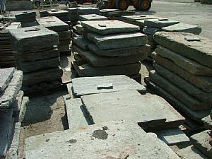 古老的九曲花崗岩鋪路石車道