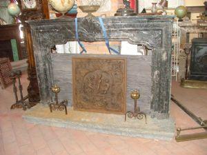 壁炉隆巴多