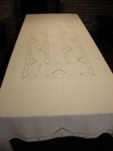 HAND EMBROIDERY TABLECLOTH LEINEN