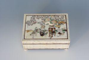 Ivory casket and Shibayama