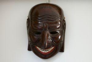 карикатура маска
