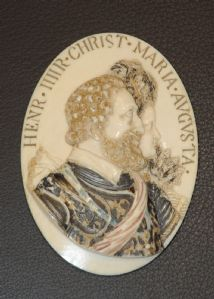 Medallion ivory depicting Henry IV and Marie de Medici