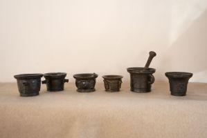 Sammlung von 6 bronzenen Renaissance-Mörsern