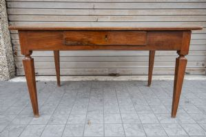 Louis XVI desk in inlaid walnut with central drawer