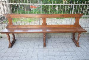 精雕细刻的'600胡桃木长椅-带有后琴架的线轴底座