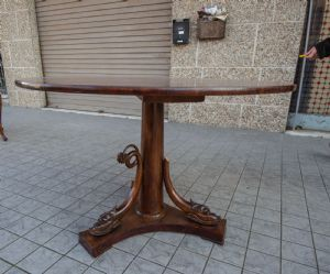 Tavolo tondo XIX secolo