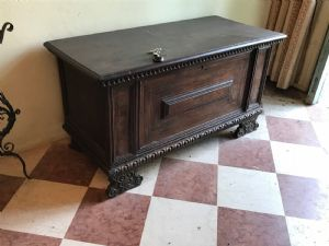 small chest 1600