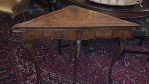 tavolino da gioco genoa  angolare lastronato varie essenze di legno solo per amatori 75x76 e conoscitori di antiquariato