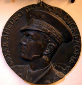 """medalhão de bronze """"Duque de Sabóia"""" em 1940"""