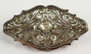 Platinum platinum brooch fully covered with brilliant cut diamonds, 30s