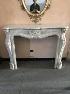 Exhibitions armchairs of ancient fireplaces marble and stone