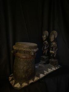 Baulè-Trommel mit Ehepartnern aus dem Jenseits Blobo Bian und Blobo Bla