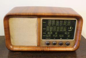 RADIO MAGNET Anni50 / 60 WALNUT