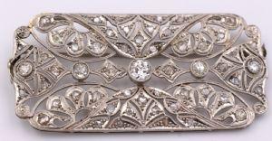 Spilla in platino decò interamente ricoperta di diamanti taglio brillante , anni 20/30