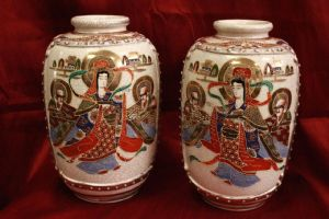 Pair of Japanese Japanese Satsuma pots couple japanese pottery