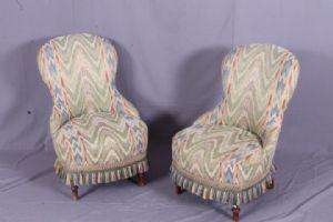 Coppia poltroncine  fine 800 in tessuto , antico , in asta separata  divano stessa provenienza. antiquariato .