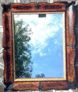 specchiera laccata a finto legna e dorata XIX°