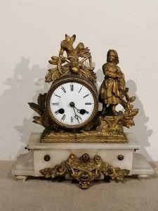 Relógio de antimônio do século 19