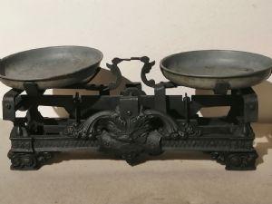 Balanço do início de 1900 em ferro fundido