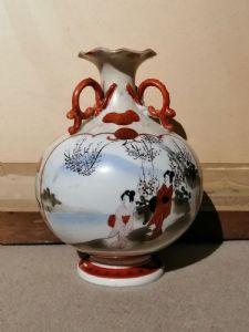 Японская ваза XIX века из расписной керамики