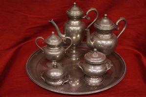 Servizio set da the tea con teiera, zuccheriera e bricchi in peltro pewter old